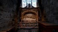 Katedral ini didedikasikan untuk St Giles, santo pelindung Edinburgh
