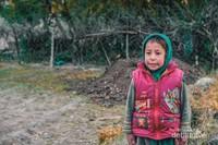 Anak kecil yang menemani saya keliling Desa Turtuk