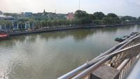 Dari atas menara kita bisa menikmati keindahan Sungai Martapura