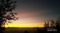 Bukit Sikunir Dieng, yang memiliki langit layaknya warna Kunir
