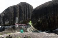Batu granit besar di Bukit Peramun, Belitung