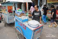 Penampakan Gerobak penjual Laksa Tangerang di Pasar Lama Tangerang