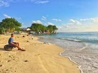 Menunggu sunset di Pulau Lae-Lae, Makassar