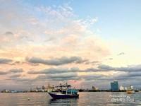Senja di Pulau Lae-Lae