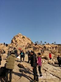 Gunung Seorak yang tak pernah sepi pengunjung