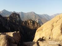 Lanskap dari Gunung Seorak yang memesona