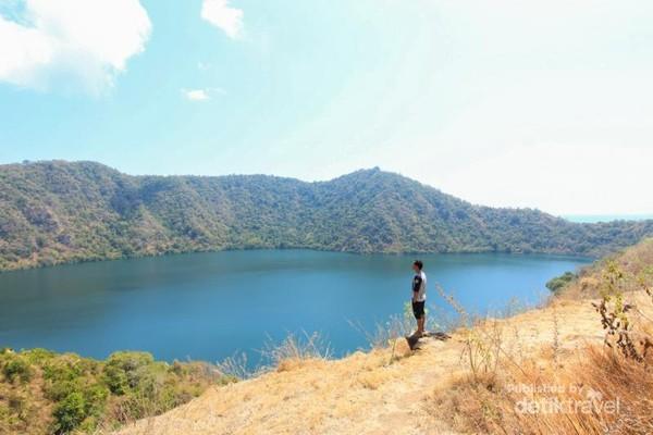 Pemandangan ikonik dari Pulau Satonda