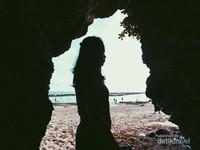 Salah satu spot foto di tepi pantai