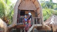 Desa Sukarare menawarkan wisata yang dekat dengan adat hingga romantisme.
