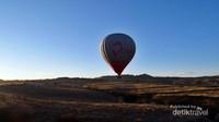 Balon udara masih terbang rendah