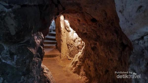 Tangga di kota bawah tanah