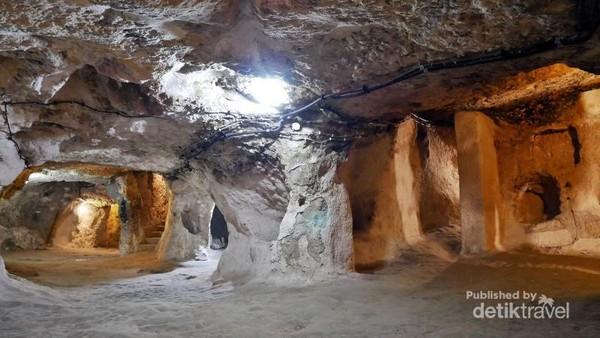 Ruang Keluarga di bawah tanah