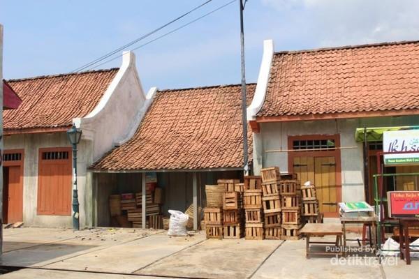 Masih bagian dari replika kampung pecinan, semua dibuat mirip dengan aslinya