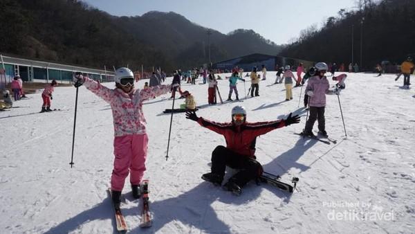 Semangat bermain ski