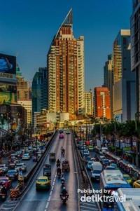 Kesibukan Kota Bangkok