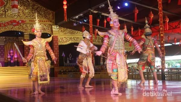 Jangan lewatkan pementasan Thai Cultural Show yang sangat menarik