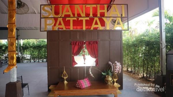 Tempat ini bernama Suan Thai Pattaya, perlu waktu sekitar 1,5 jam dari Bangkok untuk menuju ke tempat ini
