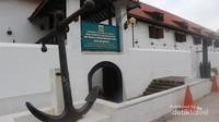 Museum ini terletak tidak jauh dari Pelabuhan Sunda Kelapa