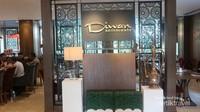 Diwan Resto terletak di dalam Almeroz Halal Hotel