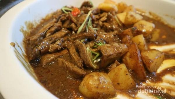 Beef stew yang legit juga bisa kita rasakan di tempat ini