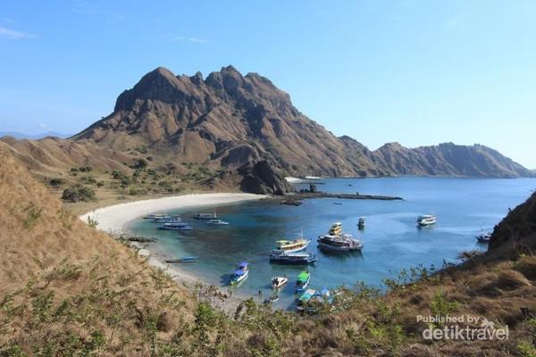 Setiap sudut Pulau Padar sungguh indah untuk diabadikan
