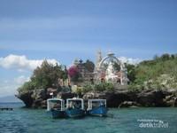 Pura Ganesha di Pulau Menjangan
