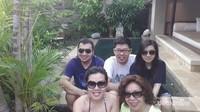Bersama keluarga menikmati fasilitas Mimpi Resort