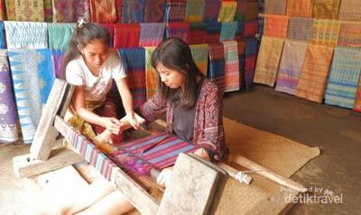 Tradisi Adat Desa Sade yang Bikin Tercengang
