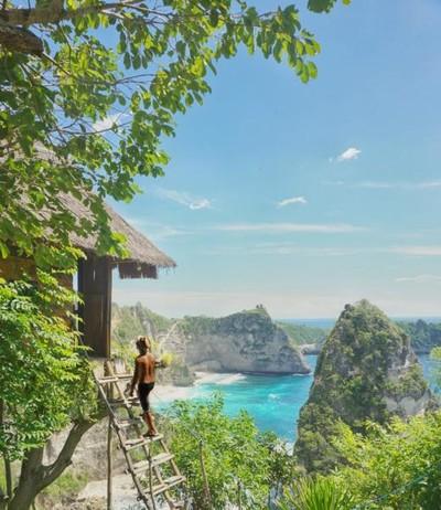 Yang Beda di Nusa Penida, Rumah Pohon Batu Melonteng