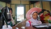 Apapun impian si kecil bisa terwujud di Kota Mini, termasuk menjadi seorang penyiar radio.