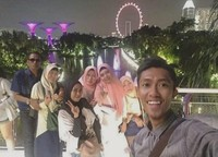 Menghabiskan waktu bersama keluarga
