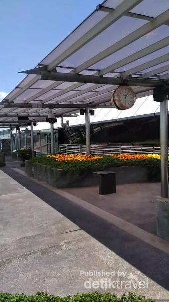 Tempat  bersantai  untuk menikmati bunga