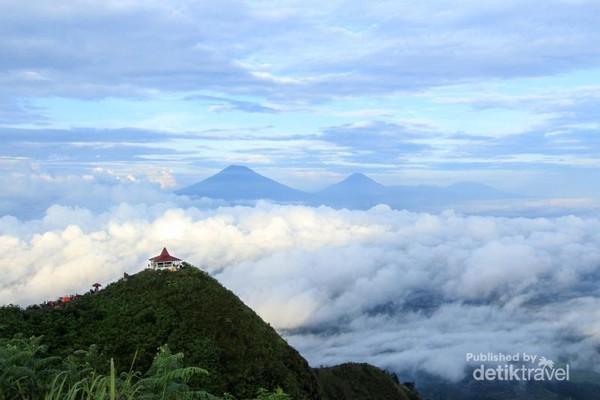 Lautan awan dari puncak Gunung Andong