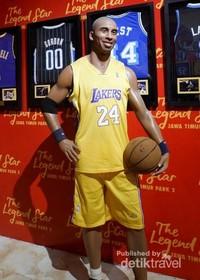 Patung lilin pemain basket terkenal asal Amerika, yaitu Kobe Bryant