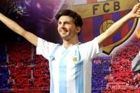 Traveler bisa berfoto bersama Lionel Messi