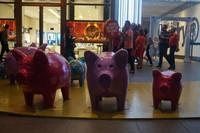 Menyambut tahun babi dalam kalender China, tema babi jadi daya tarik di mal