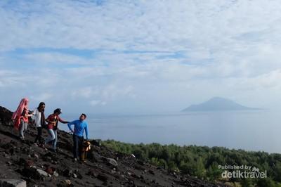 Petualangan Seru Menjelajahi Gunung Anak Krakatau