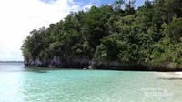 Di pantai ini terumbu karangnya bagus, cocok buat snorkeling