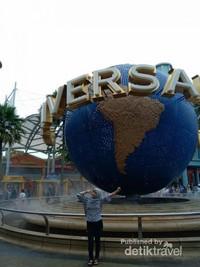 Berfoto gratis di depan Universal Studio