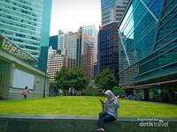 Gedung-gedung tinggi perkantoran dan mal-mal di Singapura