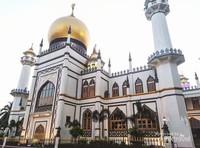 Salah satu sisi luar masjid