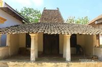 Salah satu rumah tua khas Madura yang ada di desa ini.