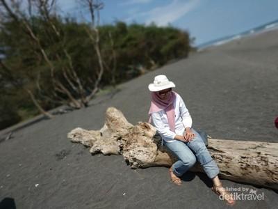 Satu Lagi Pantai yang Indah di Selatan Yogyakarta