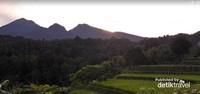 Pemandangan menuju curug ciparay