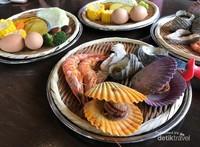 Masakan berupa sayuran dan hidangan laut