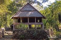 Inilah rumah pertemuan dilokasi suku kajang dalam yang berfungsi sebagai tempat musyawarah masyarakat kajang yang disebut