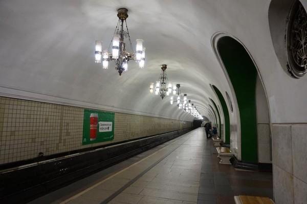 Stasiun VDNKh. Merupakan salah satu stasiun terdalam di Moskow yaitu 53.5 m di bawah tanah.