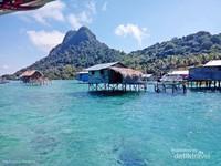 kampung diatas air suku bajau laut di Pulau Tetagan, Tun Sakaran Marine Park