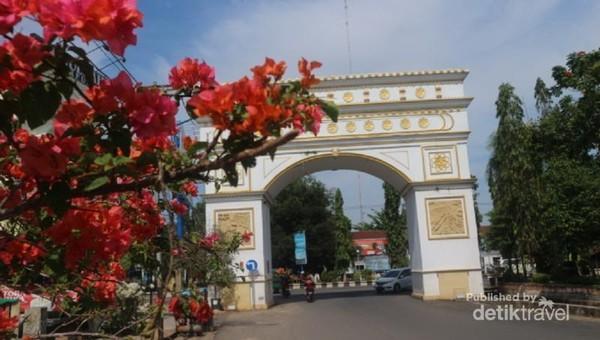 Gerbang Bumi Selamat yang menjadi salah satu ikon Martapura
