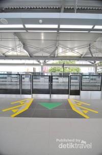 Area ke luar masuk penumpang